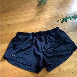 Under Armour Women's Large  Athletic Shorts